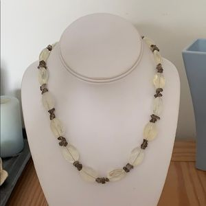 Jewelry - 💰2/$30💰Vintage quartz necklace
